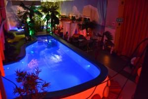 Zapraszamy na basenowe sex party w Jacuzzi Clubie.
